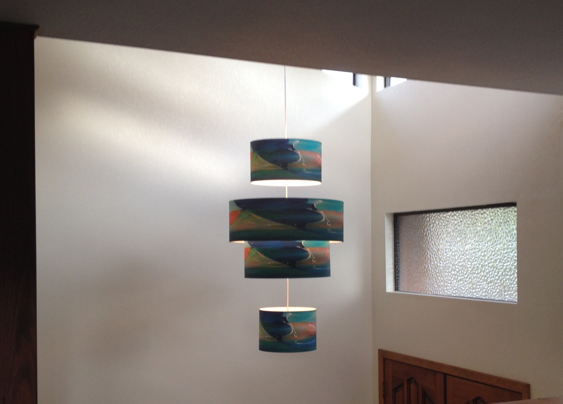 "Installation of multi-shade ""Mar Claro"" pendant"